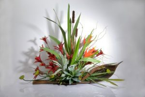 Native-Arrangement-On-Palm-Casing